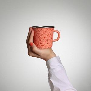 Kaffeetasse, Lachs mit frischen Bio Tomaten Sprenkel