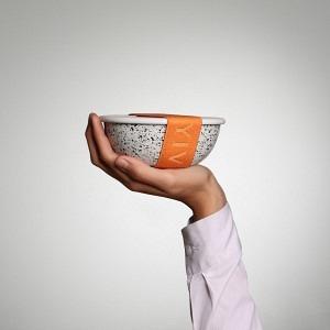 Unterwegs zu Hause Schale weiss - innen und aussen schwarz gesprenkelt, Deckel gesprenkelt, Band Orange inkl. Dichtung